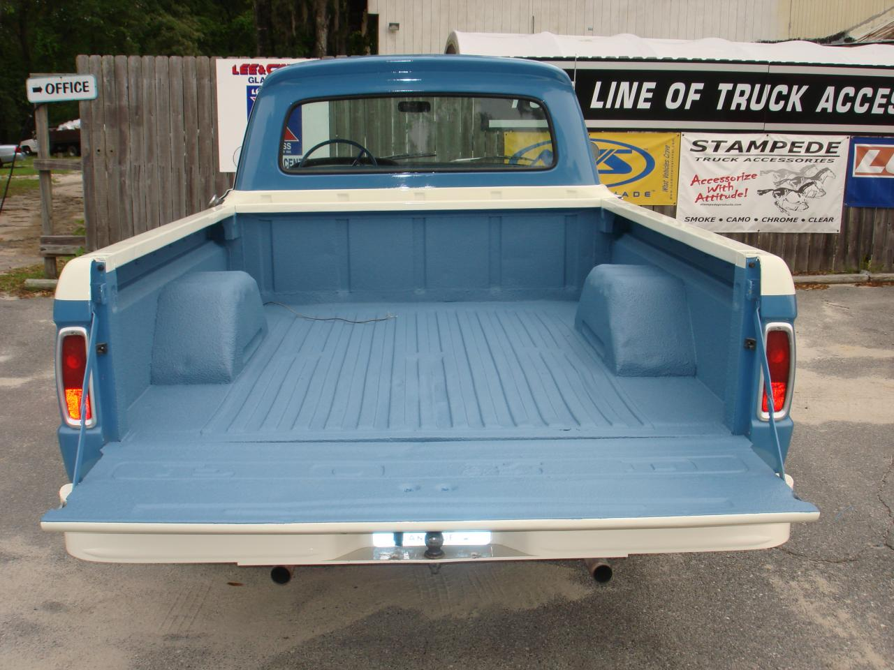 Mikes Paint And Body Speedliner Spray In Bedliner